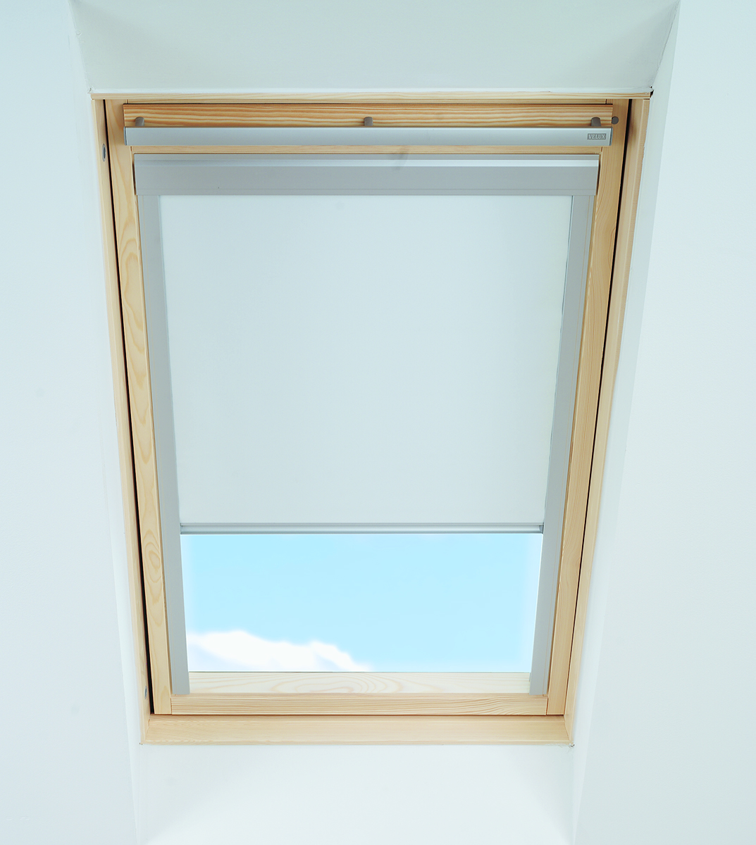 Blackout blinds for fakro roof window skylight white blue for Velux window shades
