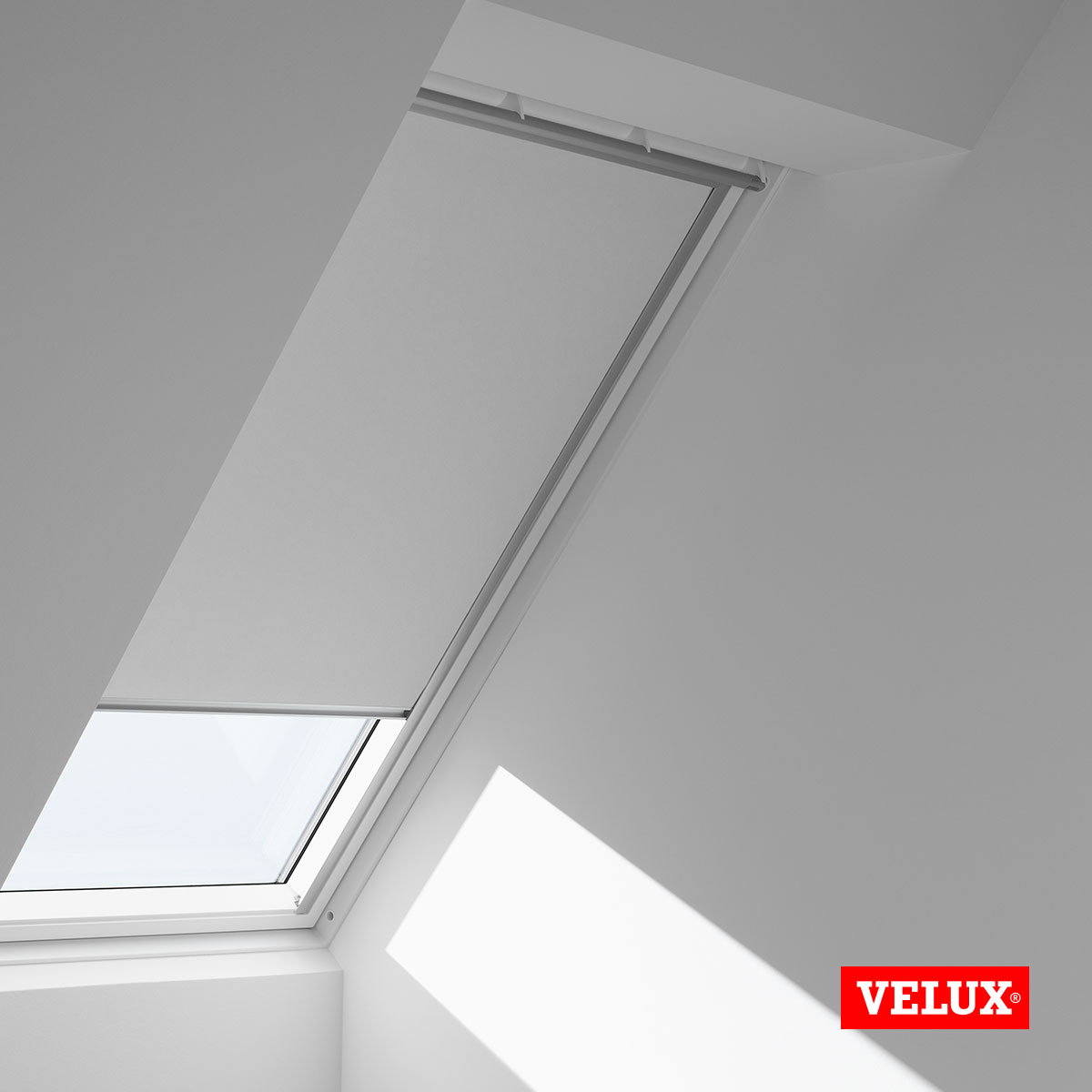 original velux verdunkelungsrollo f r velux dachfenster in. Black Bedroom Furniture Sets. Home Design Ideas