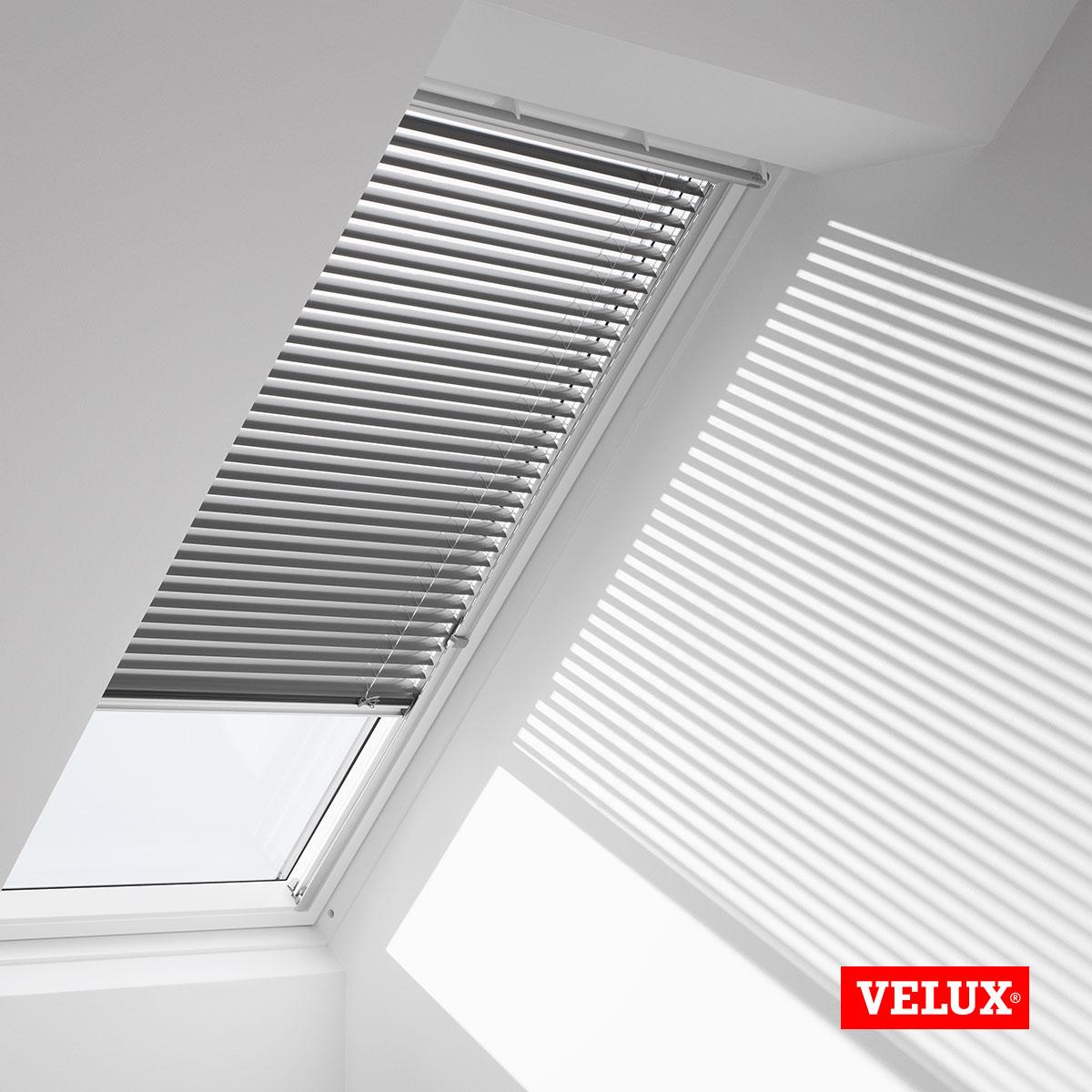 velux ghl 606 finest roller shutters with velux ghl 606. Black Bedroom Furniture Sets. Home Design Ideas