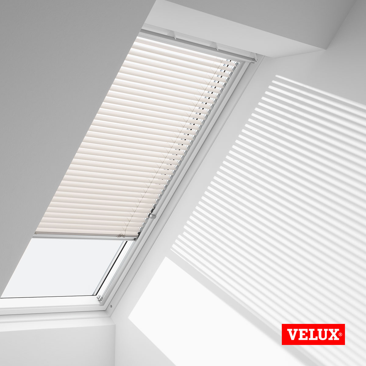 genuine velux venetian blinds made to match your velux roof window 9 designs ebay. Black Bedroom Furniture Sets. Home Design Ideas